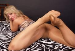 Svetlana im Bed