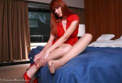 Kamila in Rot