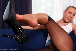 Michelle in Leggings