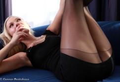 Michelle auf dem Sofa