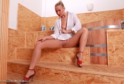Michelle in der Badewanne