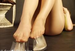 Denisa in Sommerstrumpfhosen