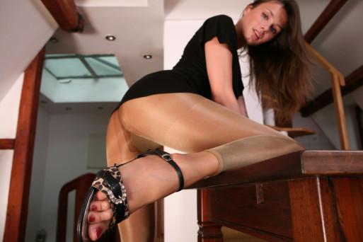 Veronika V. Leggings