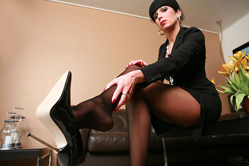 Renate in Seamless Pantyhose