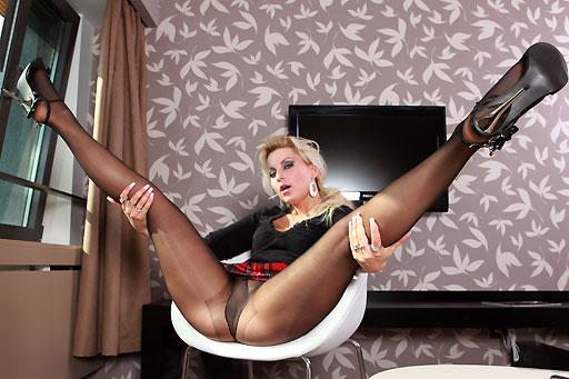 Cindy Schoolgirl