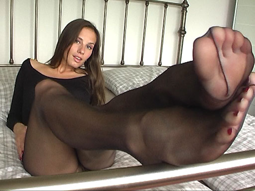 Veronika Vesla masturbating in black Pantyhose