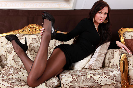 Mia S. black, seamed pantyhose