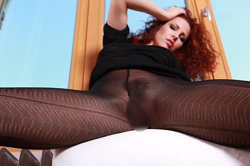 Iveta in patterned tights