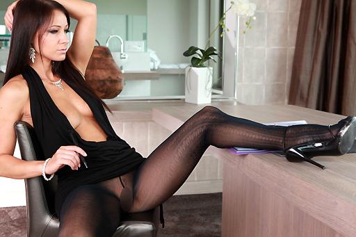 Melisa Mendiny – Secretary in pantyhose